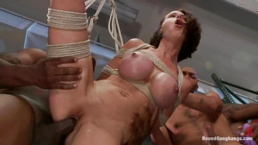 Amateur allure cock suck