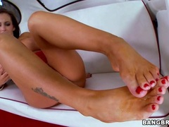 Slapper Jenna Presley gets her feet splashed in cum