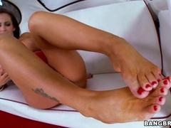 Slapper Jenna Presley gets her feet splashed in cum