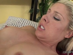 Rampant Veronica Avluv licks out this sluts wet slit