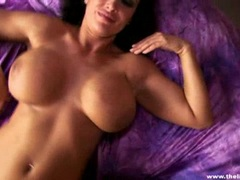 Blazing babe Lisa Ann rubs her tits over this prick