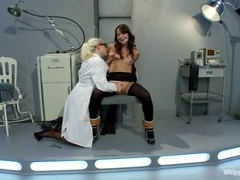 Rampant Lorelei Lee plays with this tarts snatch