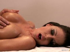 Amazing Jessica Jaymes has her huge tits oiled up