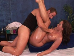 Dazzling Kelly Divine Enjoys A Rough Pussy Pounding