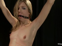 Babe Nikki Hunter ties up & torments Chastity Lynne