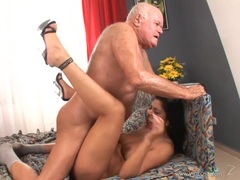 Sexy Tera Joy dribbles spunk outta her pantie pot