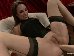 Blistering Amber Rayne has her ass hole fisted