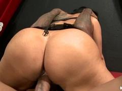 Rampant Kiara Mia rides her pussy on a huge prick