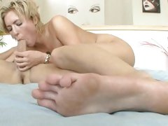 Fucking and feet with sensational Victoria White