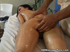 Hot babe orgasms in a crazy massage porn movie