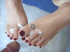 Latina has her sexy feet sprayed with spunk