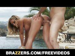 Stunning bikini clad bombshell Nicole Aniston pool fuck