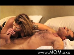 MOMxxx Experienced MILF loves cock