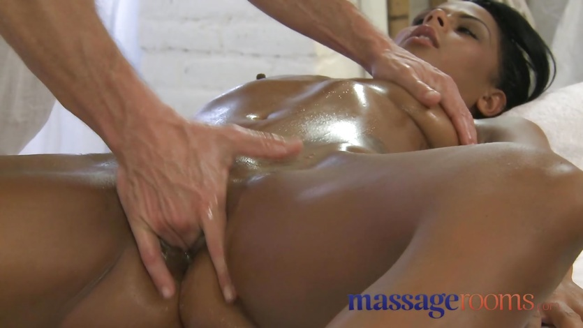 Fucking cream filled pussy