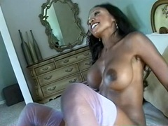 Two interracial lesbians put on a hot show