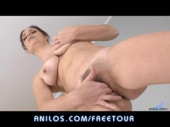 Bigtit wife fingers her hairy clit