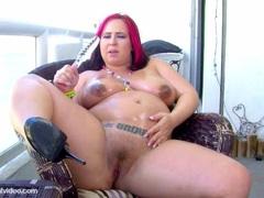 Pregnant Pornstar Georgia Peach teasing her slot