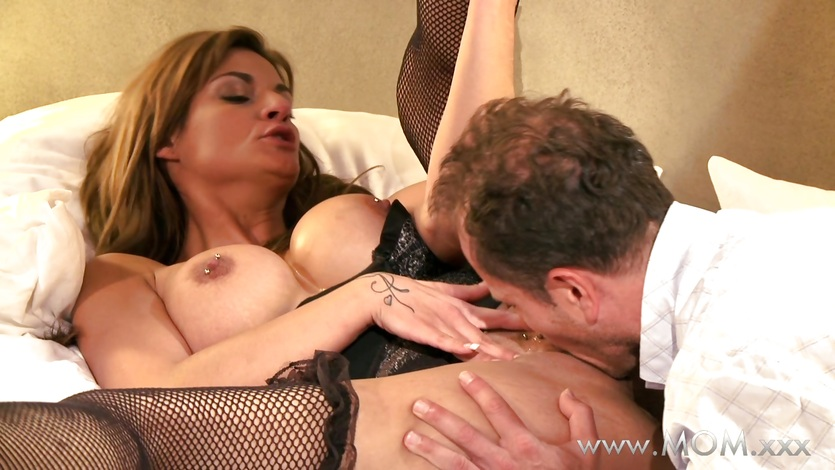 Mom milf039s coming over and over again 3