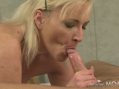 MOMXXX Cock sucking mature women