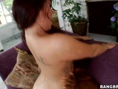 London Keys enjoys getting her moist pussy pummelled