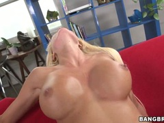 Rikki Six loves getting her moist pussy pummelled