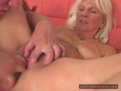 See a granny get her mature minge serviced