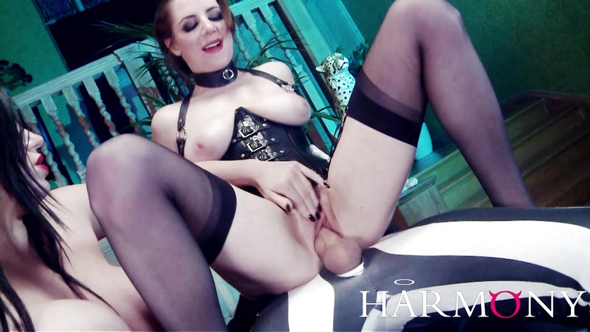 Samantha Bentley Whipping her Hairy Pussy