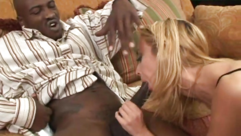 Sensual Kelly Wells slobbers over this stiff skin flute