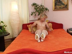 Hairy granny gets herself off