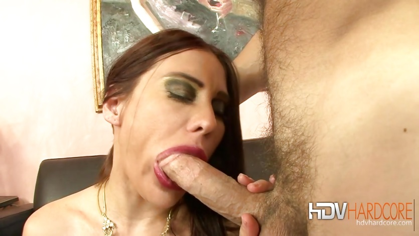 saucy-marie-fucks-for-a-creampie