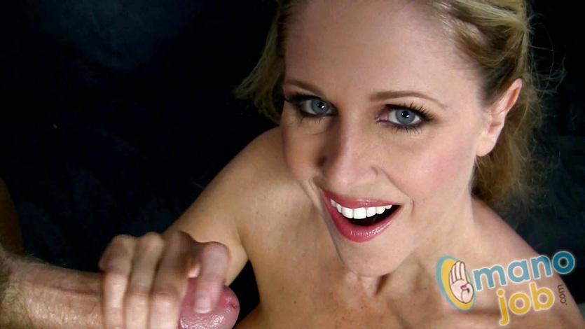MILF handjob from Julia Ann