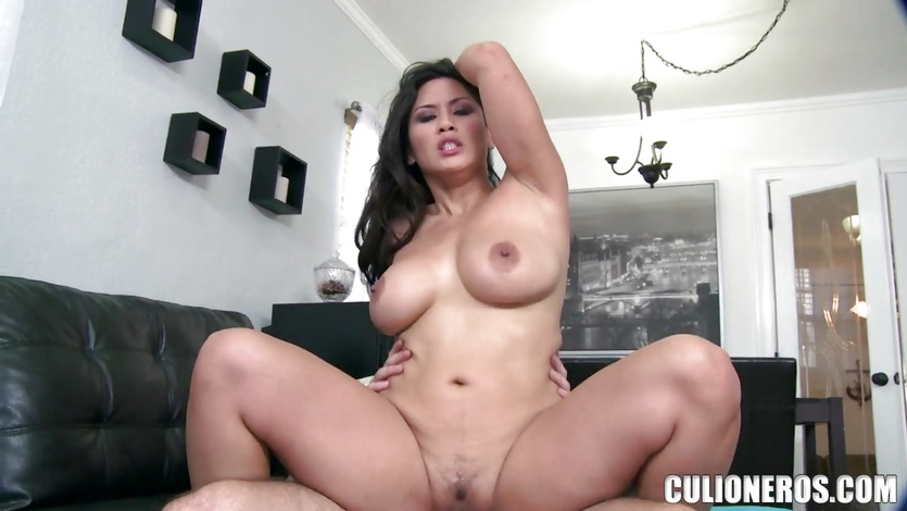 Jessica Bangkok rides cock with her Asian pussy