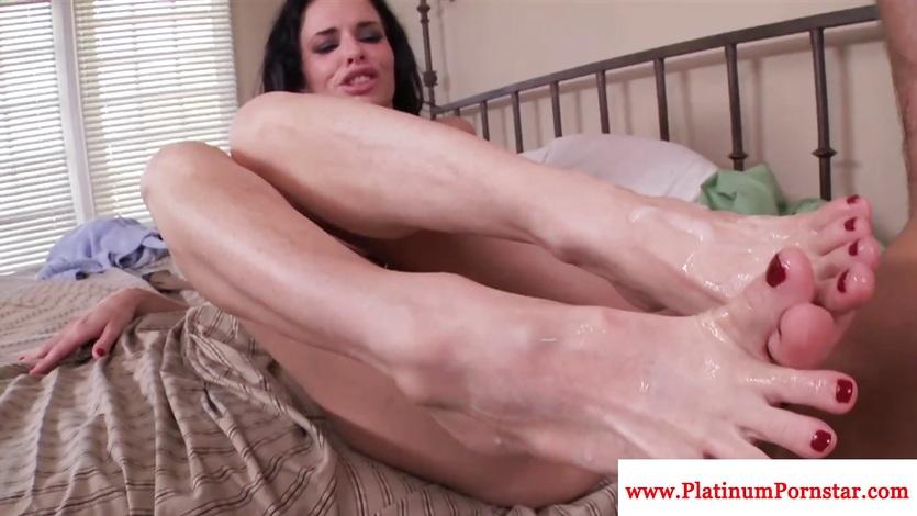 Veronica Avluv gets her feet sprayed with thick cum