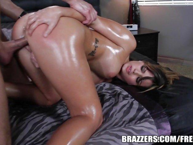 Keisha Grey rewards her bf for massage