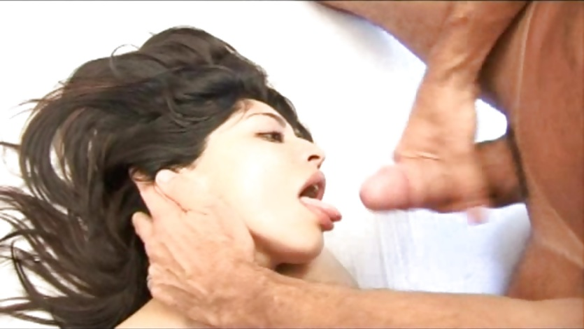Gia Pasion gets her face glazed with thick cum