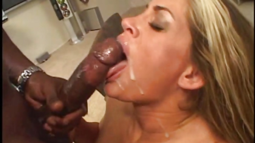 Scorching babe Aria gets her face drizzled with cum
