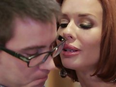 While her daughter is away Veronica Avluv will play
