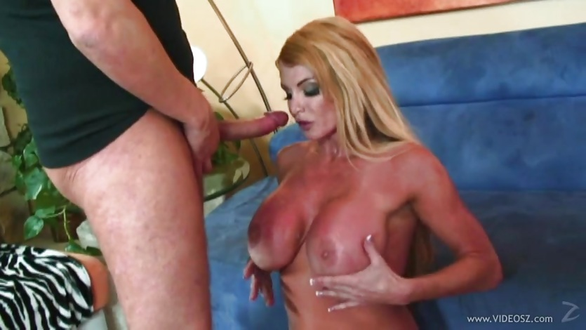 Saucy babe Taylor Wane showered with warm cock juice