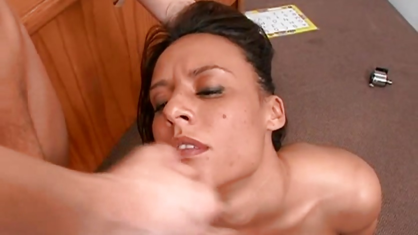 Tempting babe gets her face drizzled with thick cum