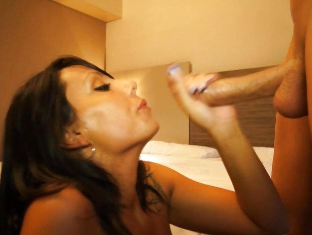 Marta Sanz gets her face drenched with thick cum