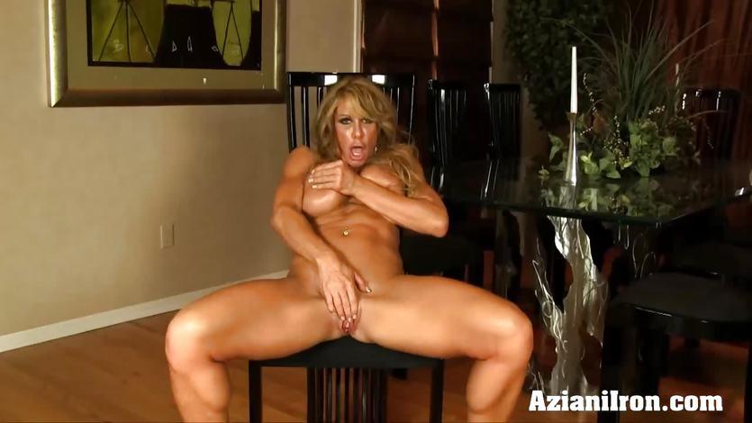 Farrah Dahl finger fucks her moist pussy