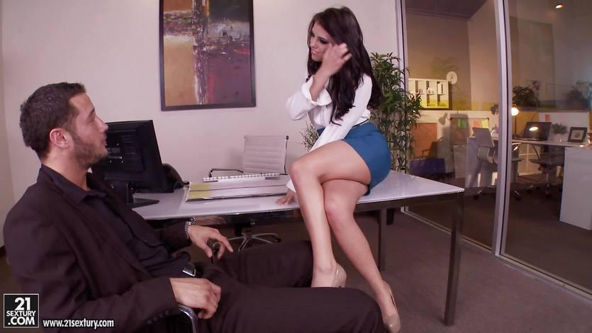 Dirty babe Adriana Chechik fucks with feet