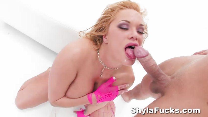 Shyla Stylez  sucking a huge cock