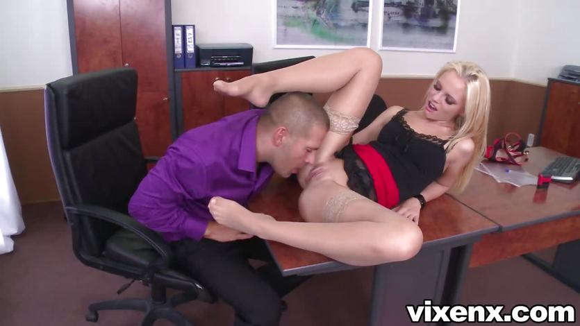 Vanda Lust enjoys a rough pussy pounding