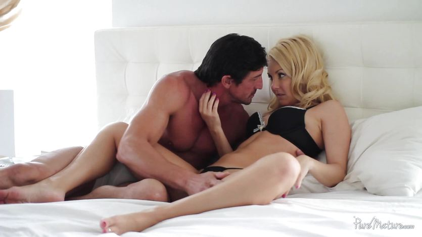 Sexy Aaliyah Love gets some early morning sex