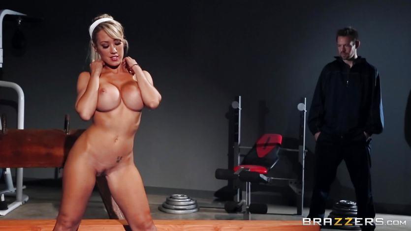 Peeping dude fucks Capri Cavanni in the gym