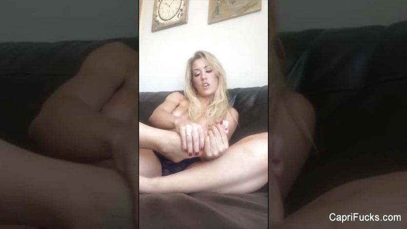Capri Cavanni shows off her sexy feet