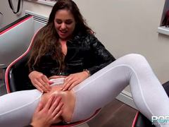Cathy Heaven gets her warm pussy fisted
