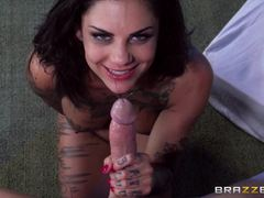 Ass fucking makes Bonnie Rottens pussy squirt