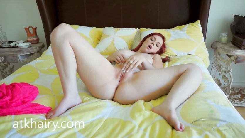 Mary Jane Mayhem finger fucks her hot pussy